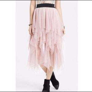 FREE PEOPLE TIERED RUFFLE TULLE BLUSH SKIRT SZ S